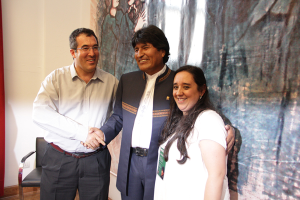 Marcelo-Gullo-Omodeo-saludando-al-presidente-de-Republica-Plurinacional-de-Bolivia